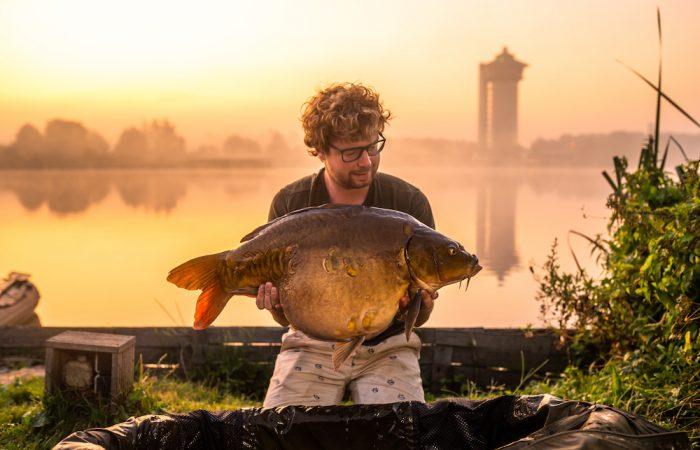 TOPVIDEO: Karpervissen op betaalwater De Koperen Plas met Willem Kwinten
